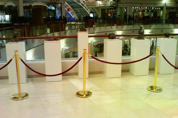müze resim sergi açılış bariyeri